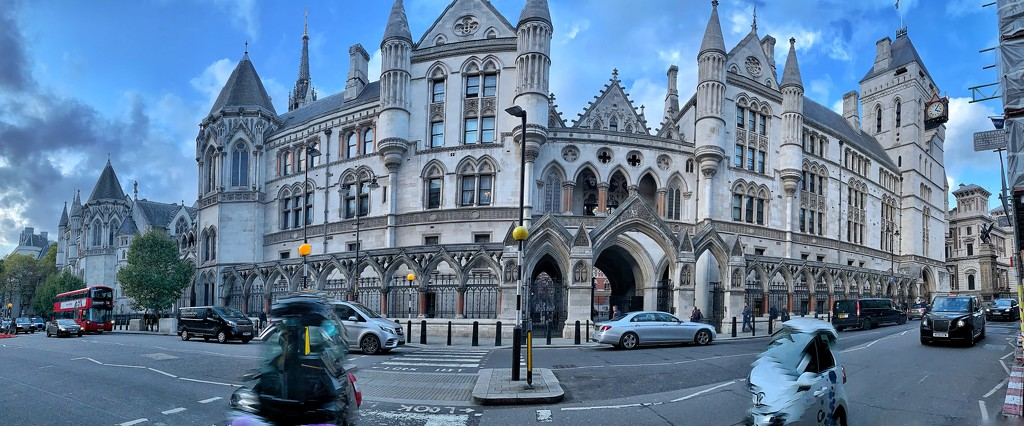 Royal court of Justice by cocobella