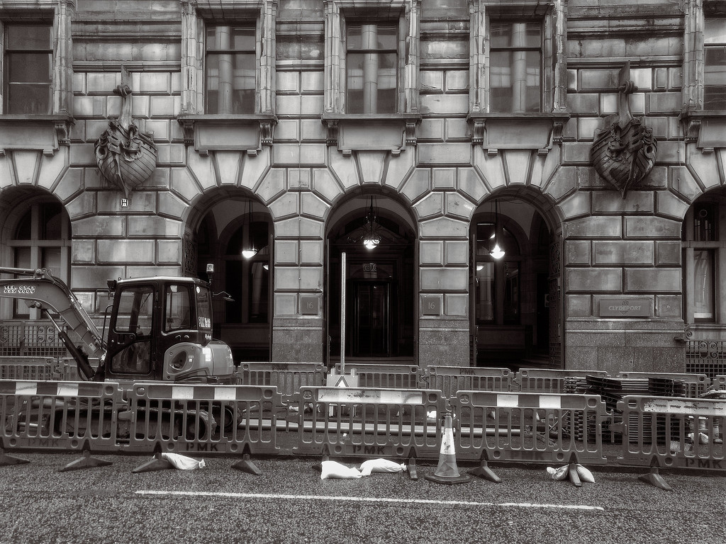 Roadworks - Glasgow by jamesleonard