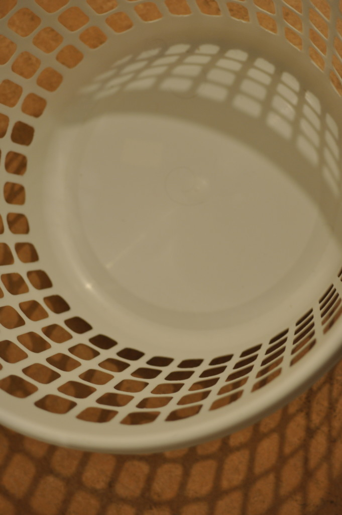 Never looked closely into an empty laundry basket ;) by stimuloog