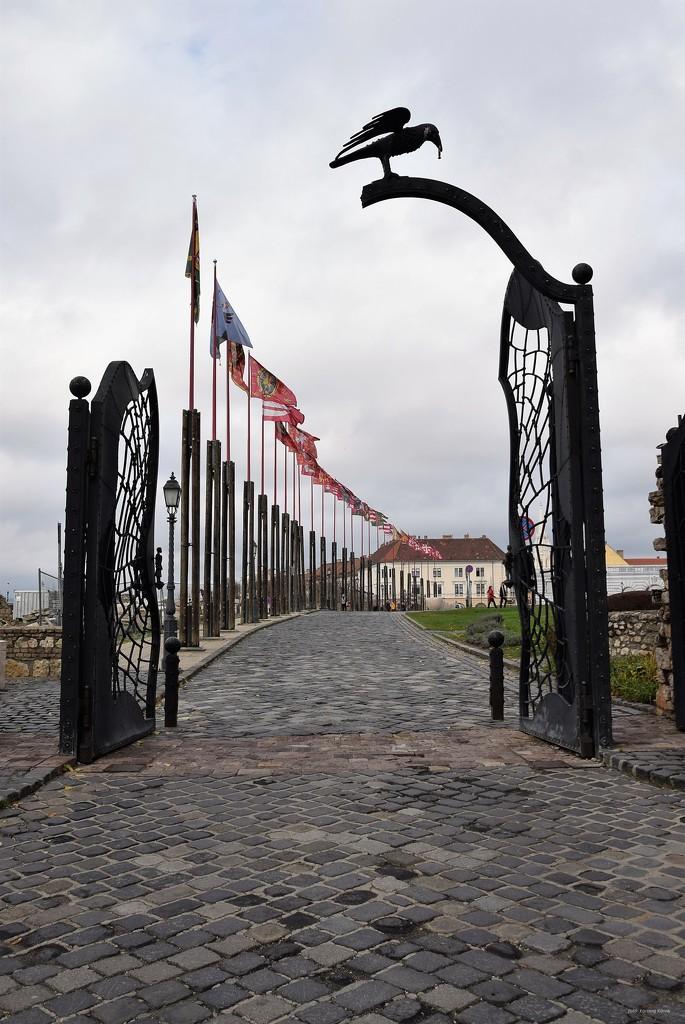 Gate of Beggars by kork
