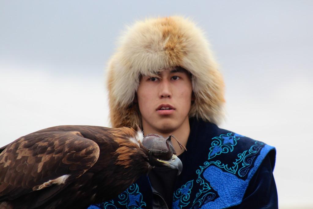 Eagle Hunter by momamo