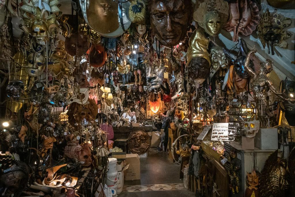 Venetian Mask-Making in Firenze by jyokota
