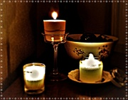 30th Nov 2019 - The cosiness of candle-light