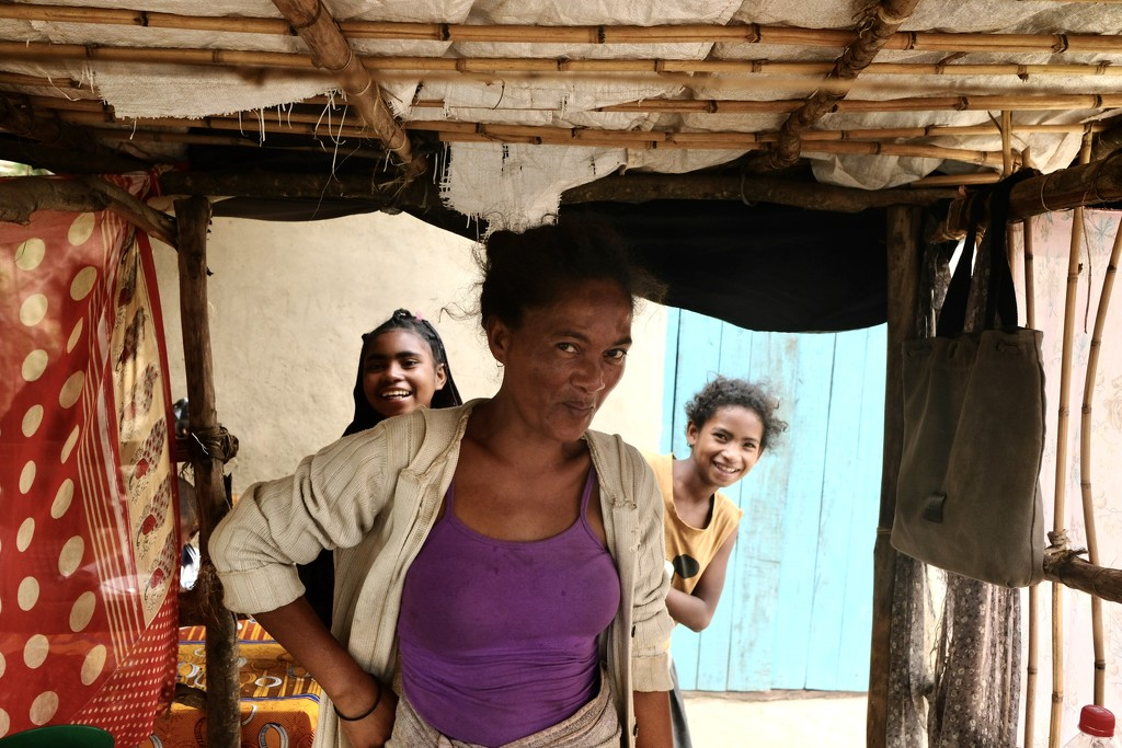 Madagascar mother and girls by vincent24