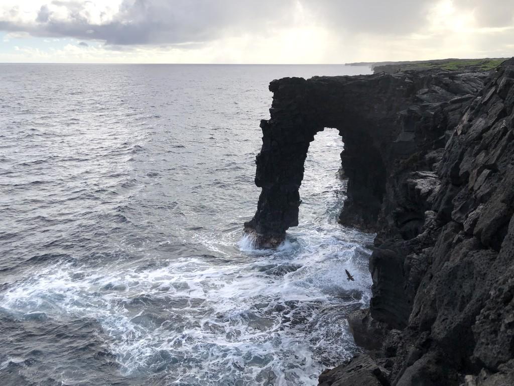 Hōlei Sea Arch by loweygrace