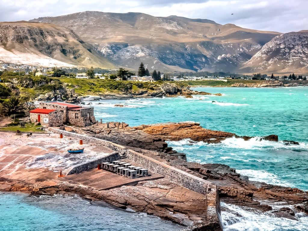 The rugged coastline by ludwigsdiana