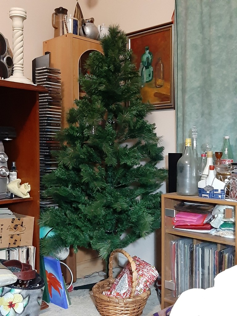 Christmas Tree by mozette