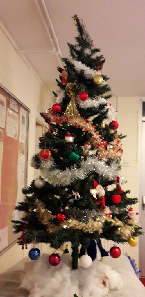 Village Hall Christmas tree 1 by mave