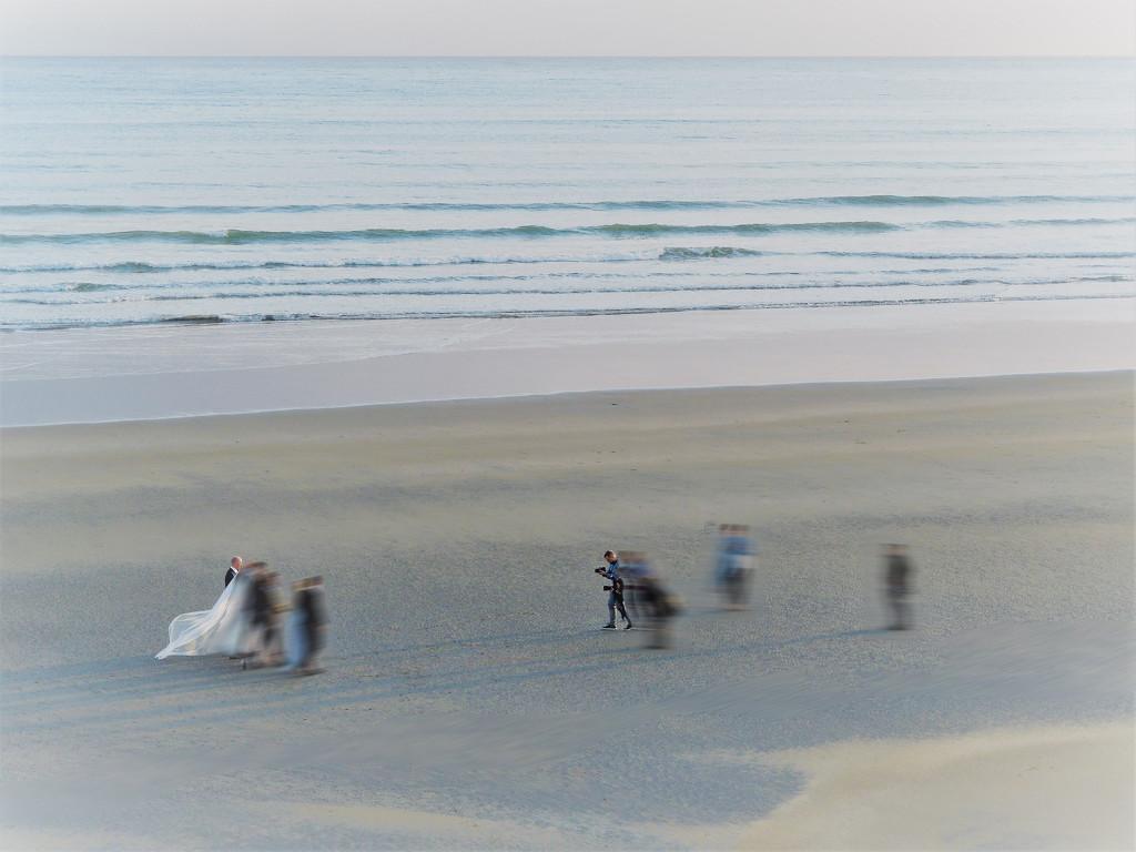 Ghost wedding on the beach ( Artist Challenge : Alexey Titarenko ) by etienne