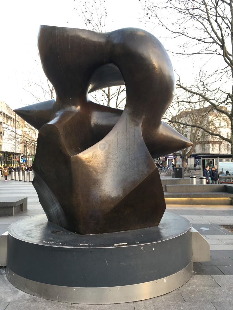 Statue in Kings Cross Square by 365anne