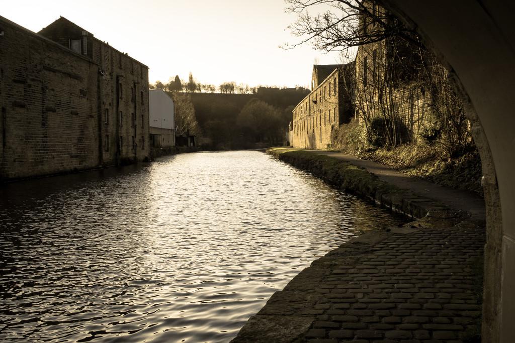 Canal Wharf by peadar