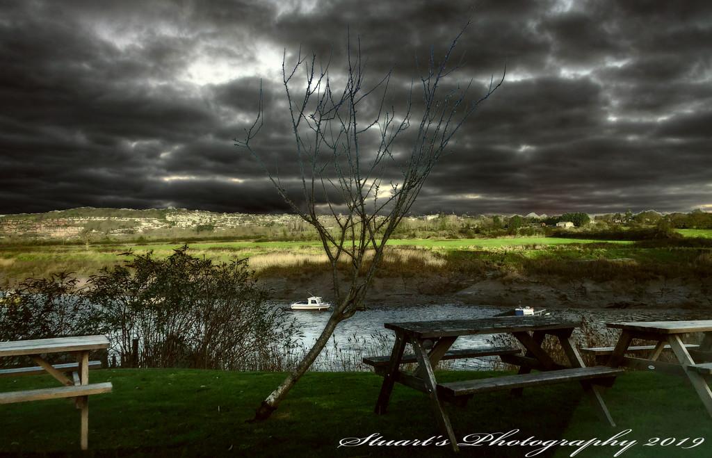 Dark skies overhead  by stuart46
