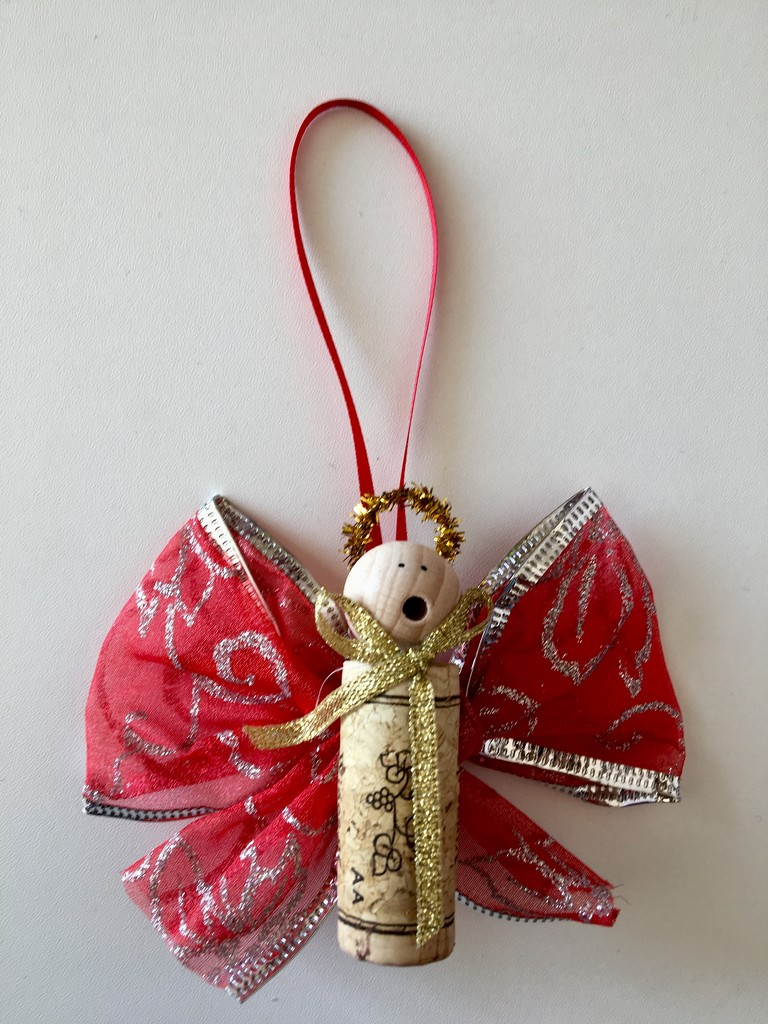 13. Ribbon by momamo