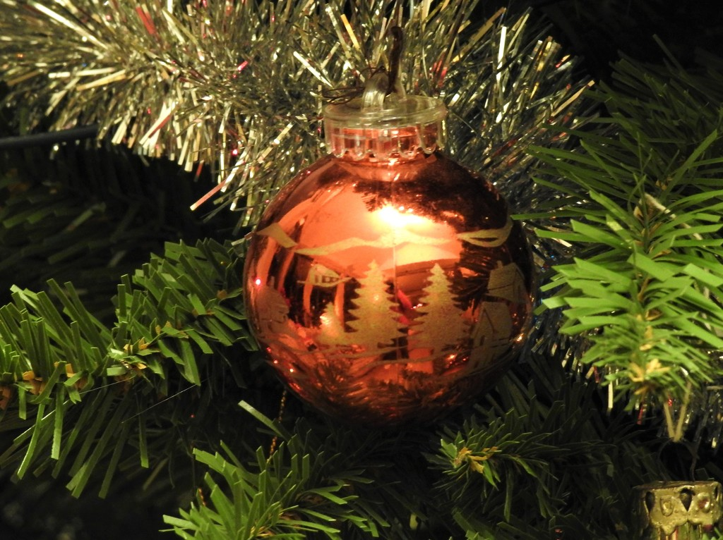 Christmas Bauble  by susiemc