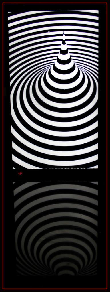 Art on my laptop    (Best on black) by sdutoit