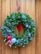 22nd Dec 2019 - Heart in a wreath.