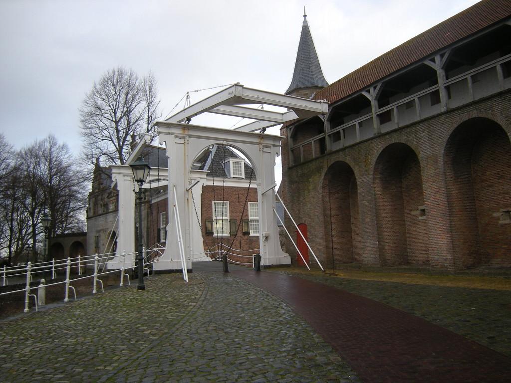 Ophaabrugl / Opklapbrug.  by pyrrhula