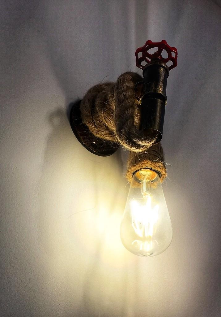 Light by pattyblue