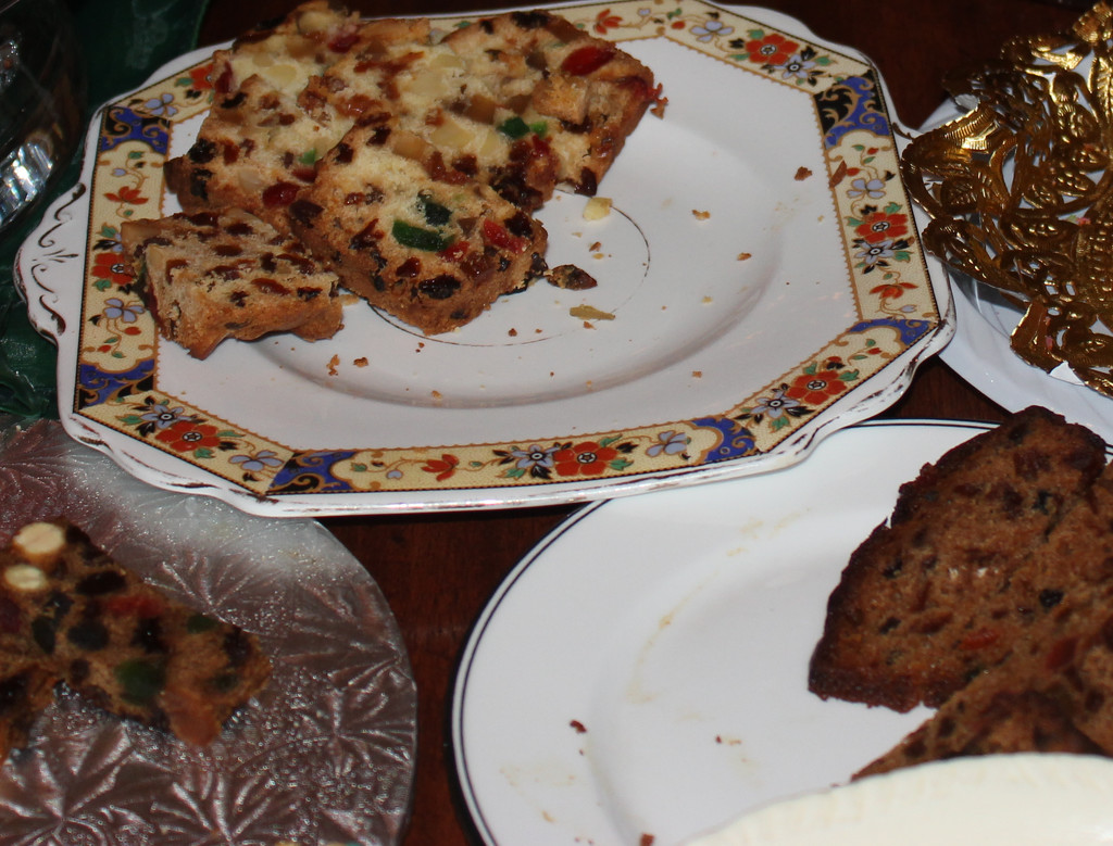 Toss that Fruitcake! by spanishliz