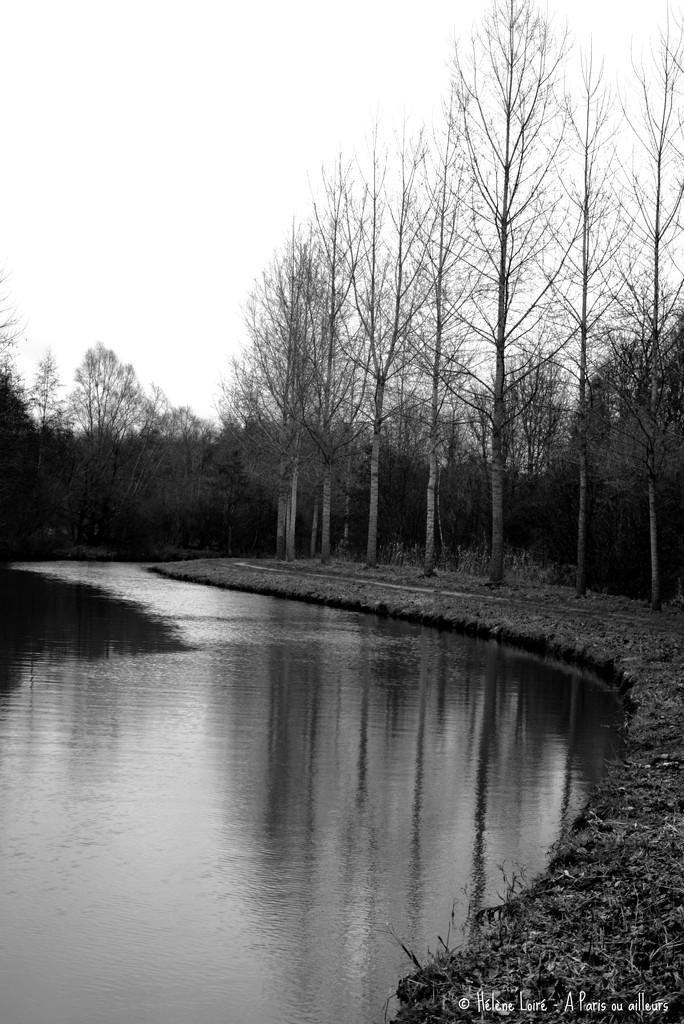 Canal de l'Ourq  by parisouailleurs