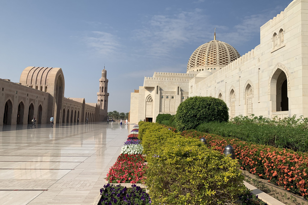 Sultan Qaboos Grand Mosque #1 by ingrid01