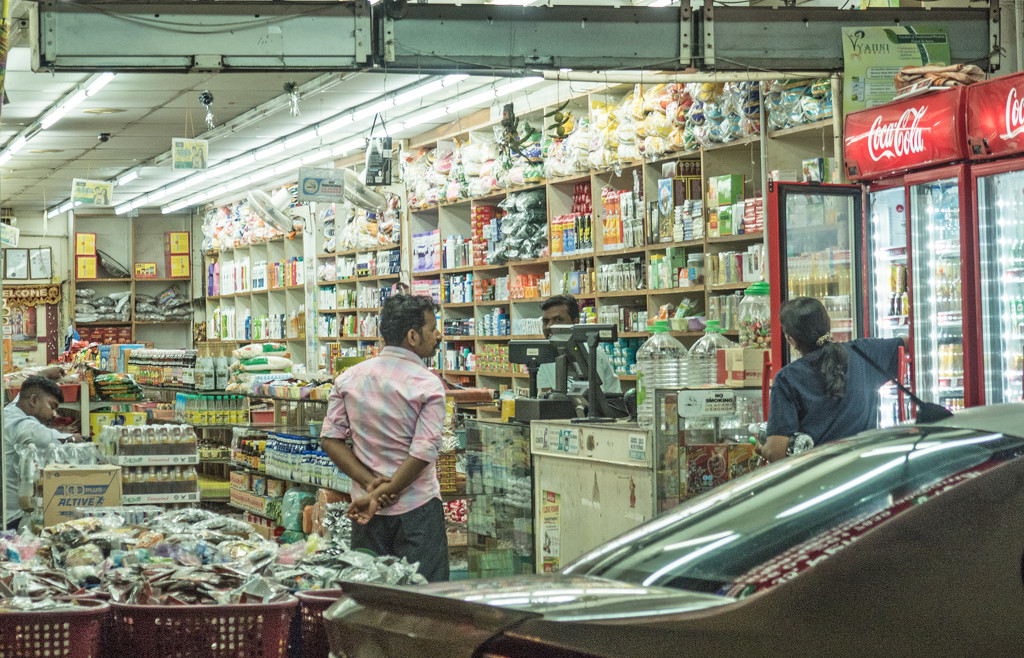 7/11 store Little India by ianjb21