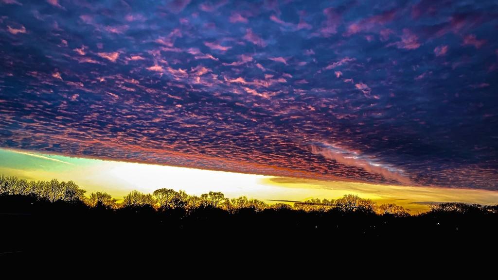 Amazing Sky  by jyokota