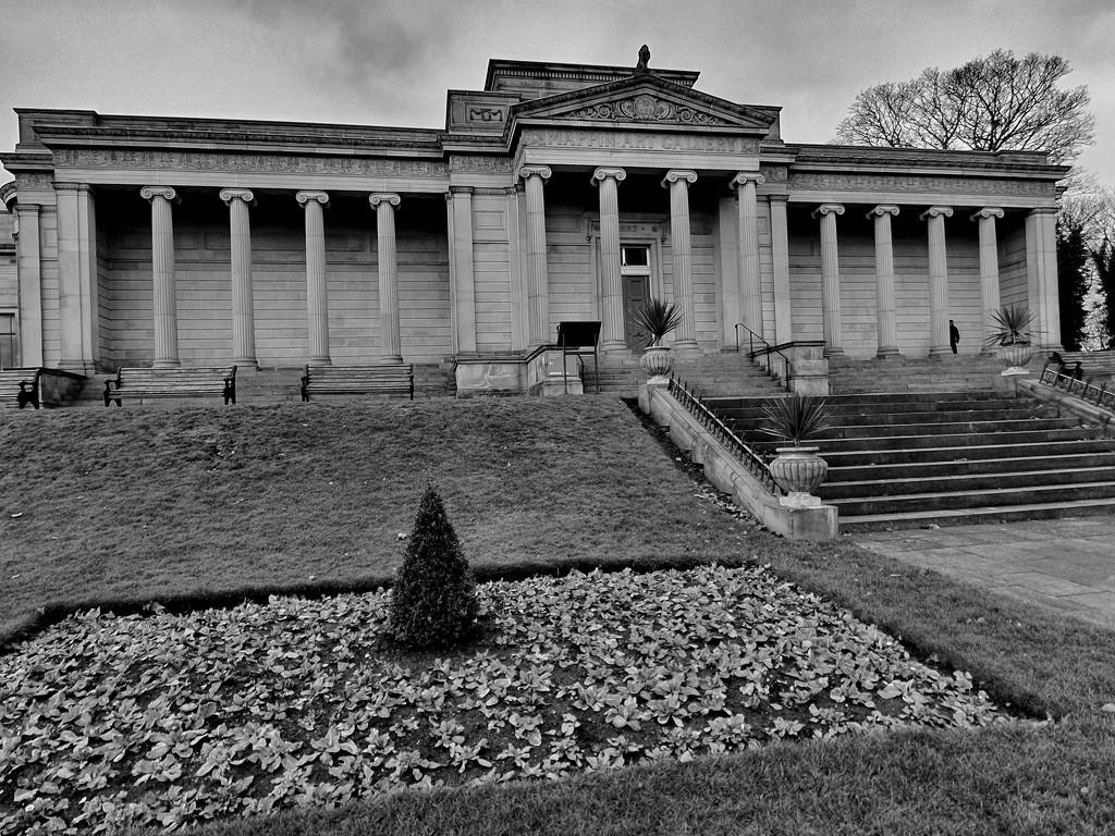 Weston Park, Sheffield UK by isaacsnek