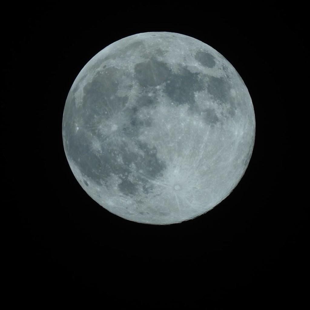 moon by jakey