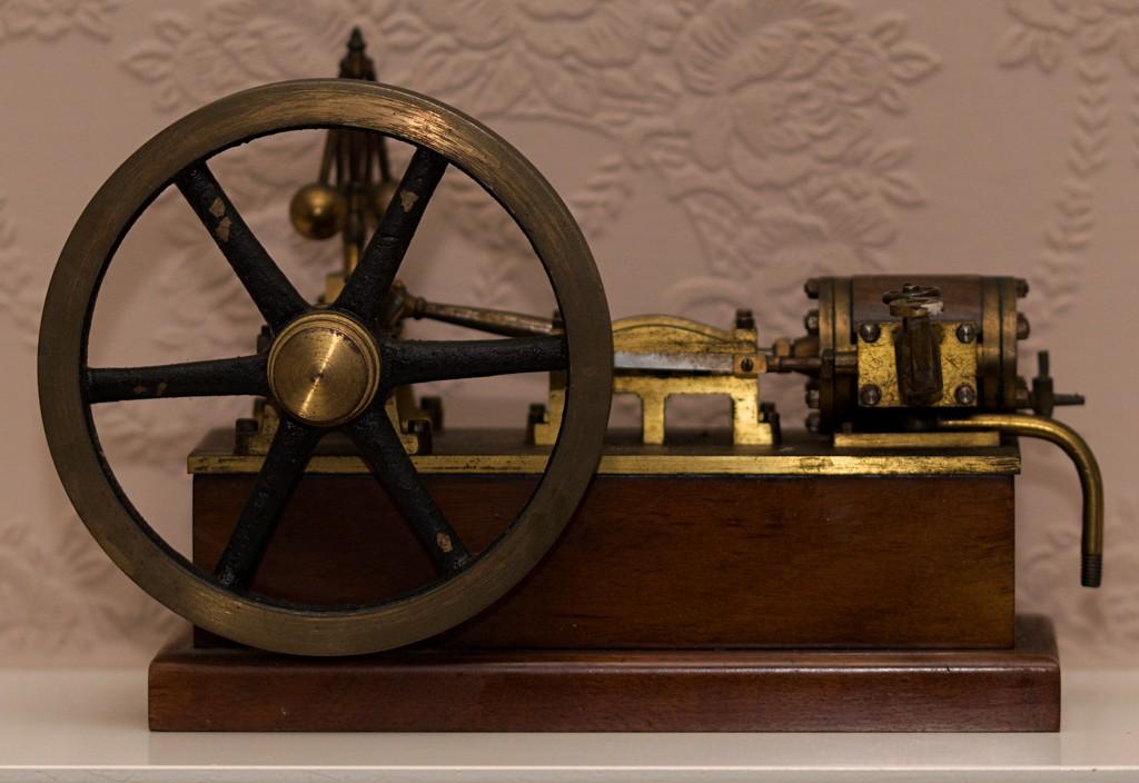 Handmade steam powered engine by ollyfran
