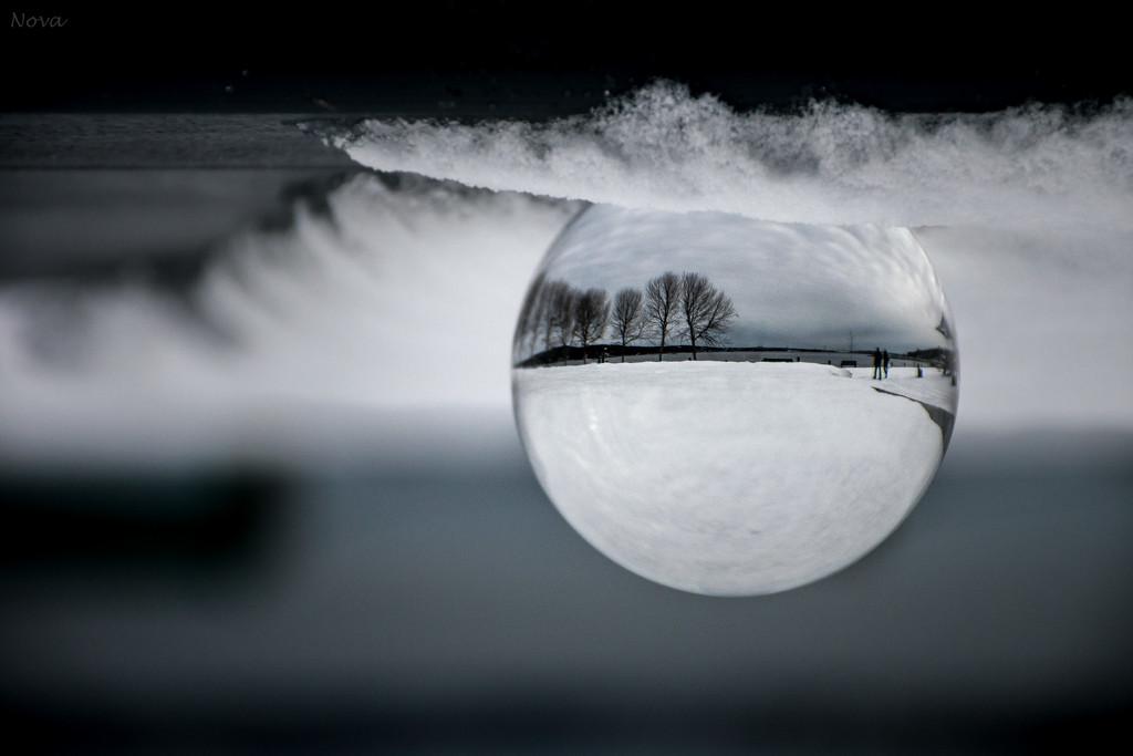 Snow globe  by novab