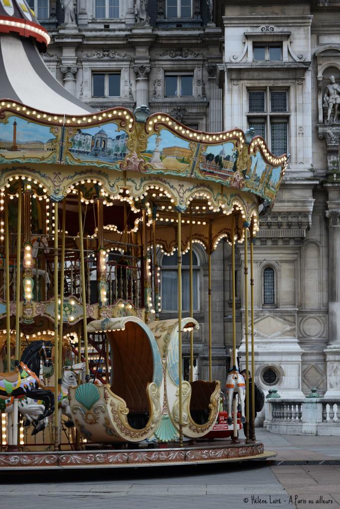 Carrousel by parisouailleurs