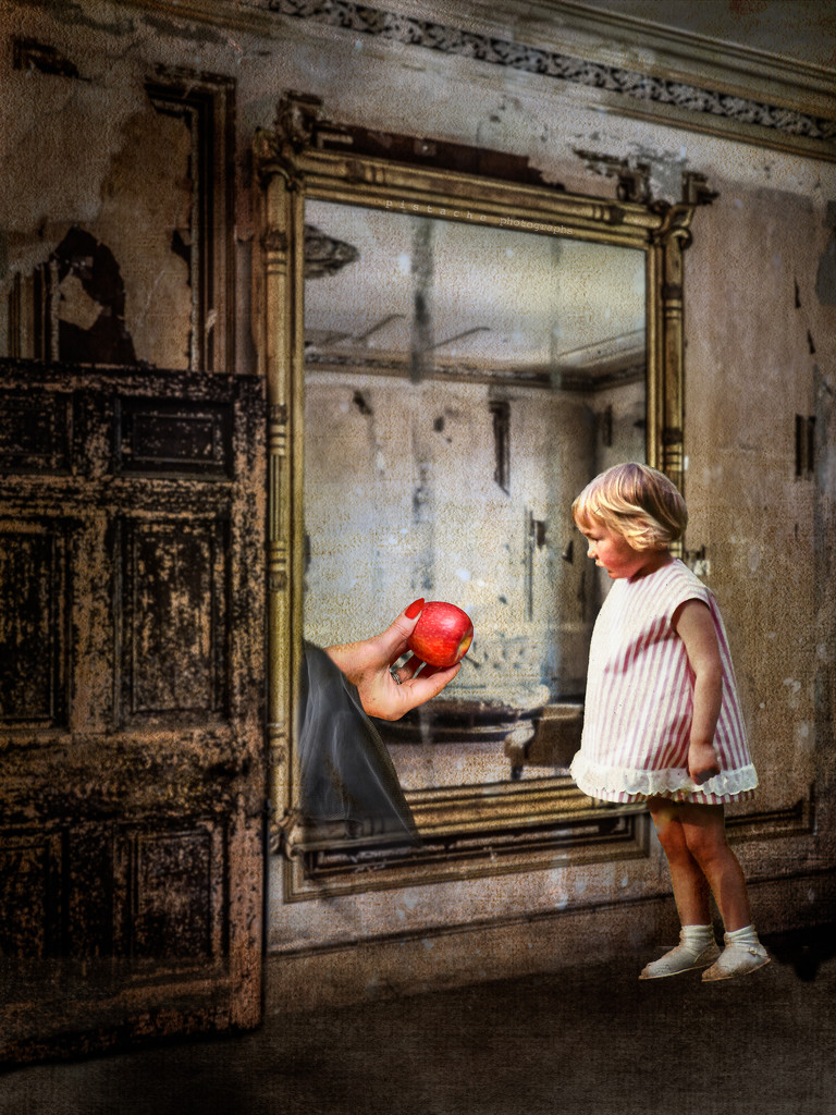 the apple in the mirror by pistache