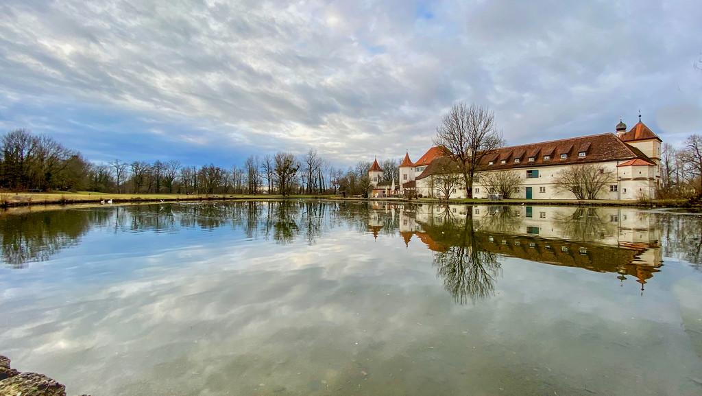 Reflections of Blutenburg by jyokota