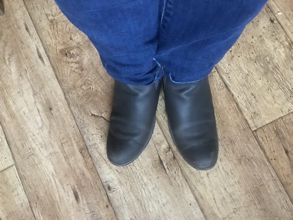 Odd feet!  by happypat