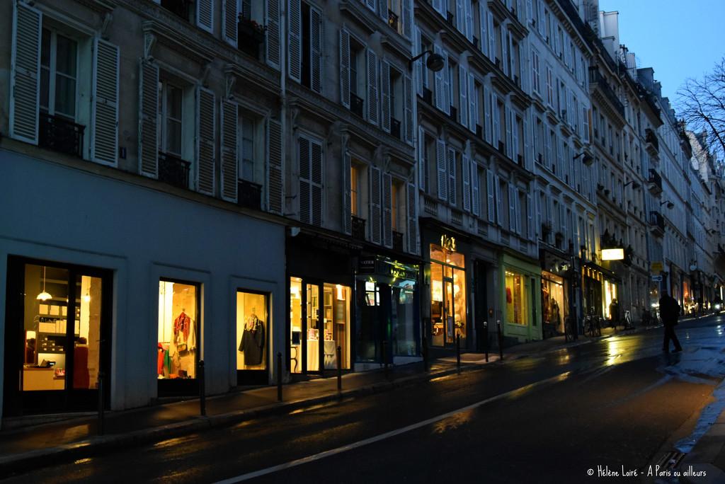 crossing the street by parisouailleurs
