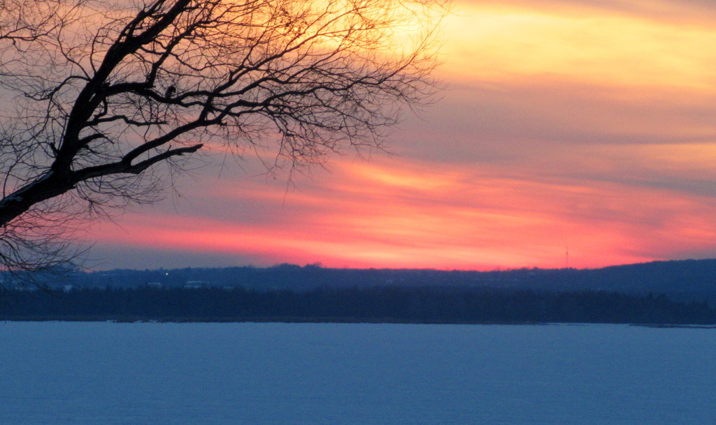 Sunset over Cooks Bay Lake Simcoe by bruni