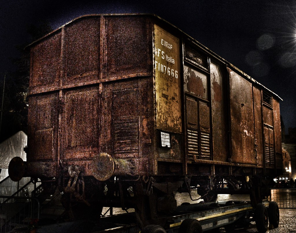The train of horror  by caterina