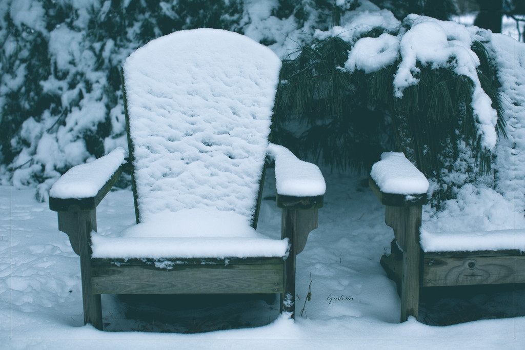Some Chairs Get Winter by lyndemc