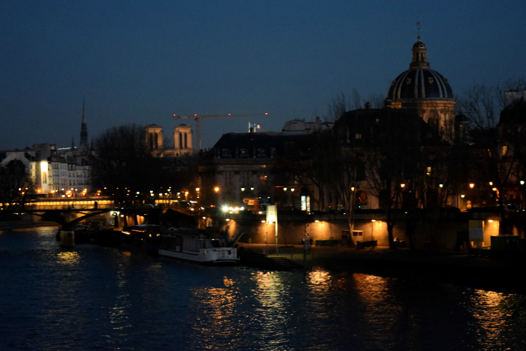 crossing the Seine  by parisouailleurs