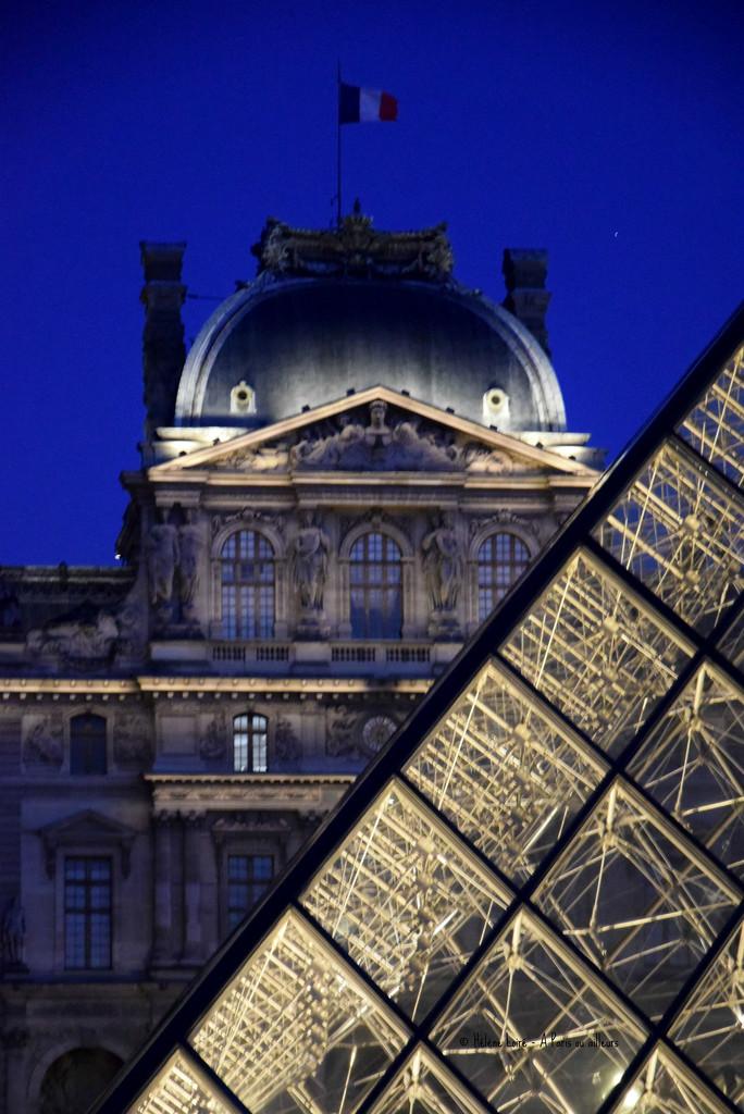 Louvre by parisouailleurs