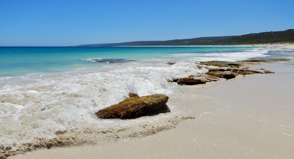 Beautiful Hamelin Bay DSCN2644 by merrelyn