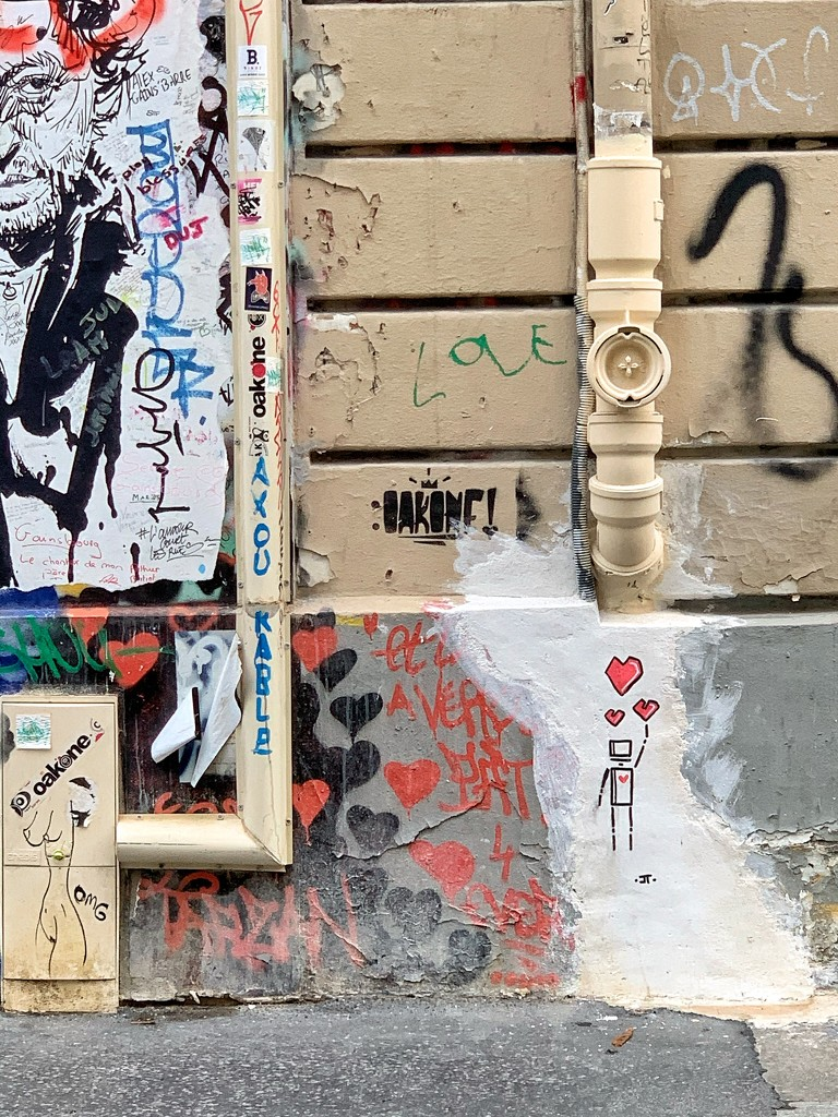 Few tiny red hearts in Paris.  by cocobella