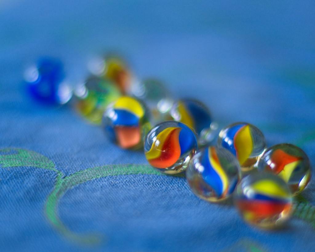 LHG__9919- marbles by rontu