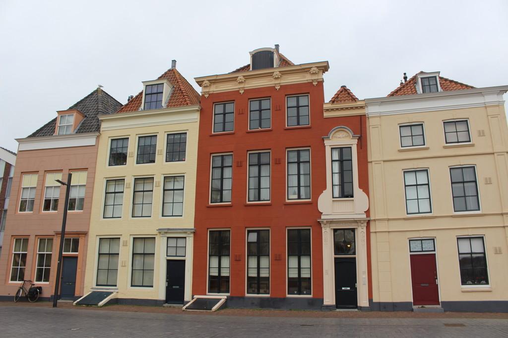 A colorful facade.  by pyrrhula