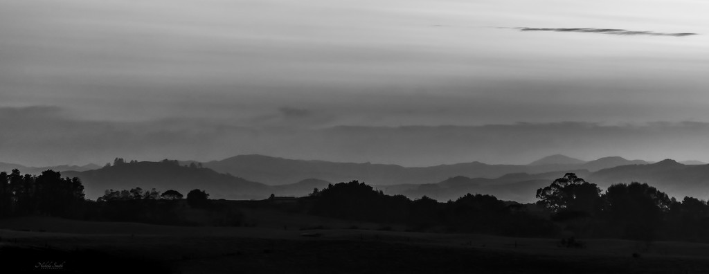 Distant Hills by nickspicsnz