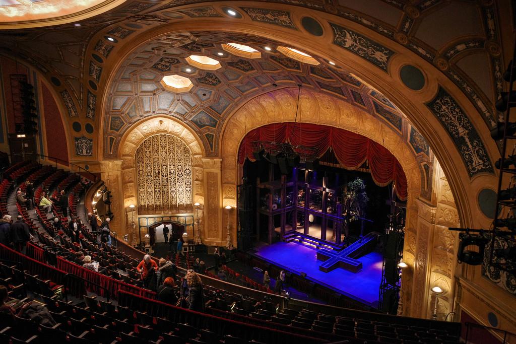 Detroit Opera House  by vera365