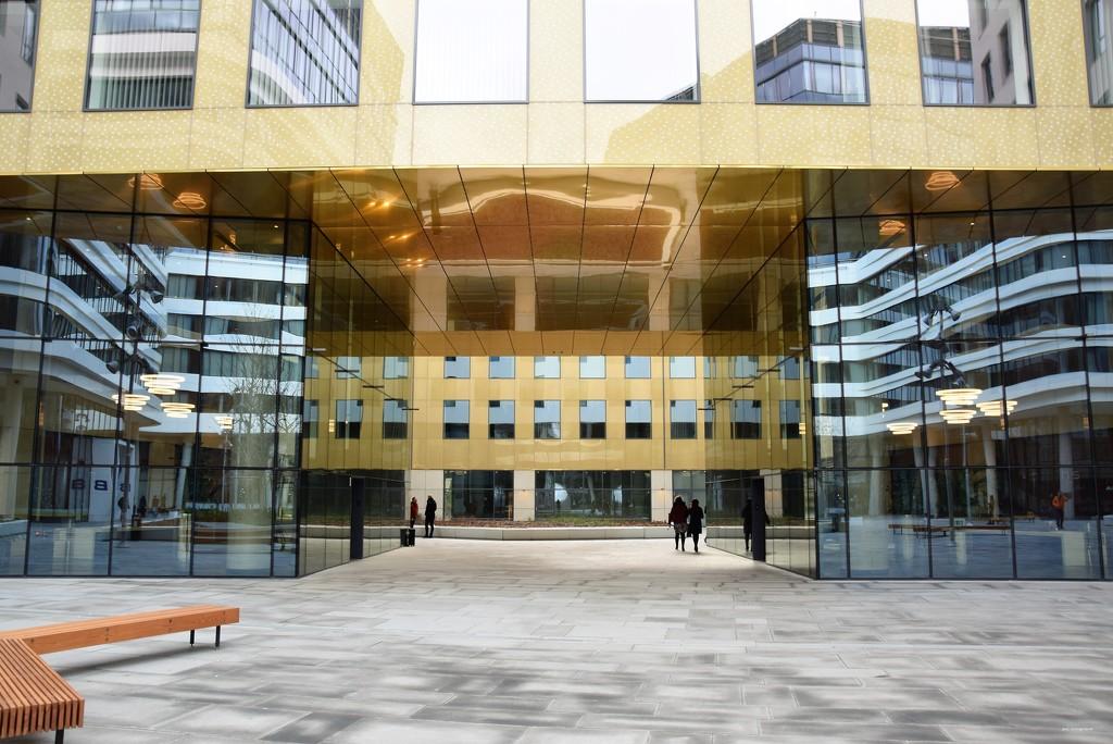 Between office buildings... by kork