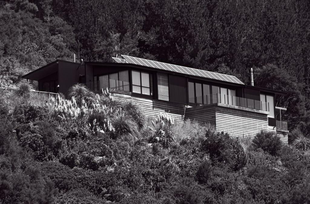 Solar house by kiwinanna