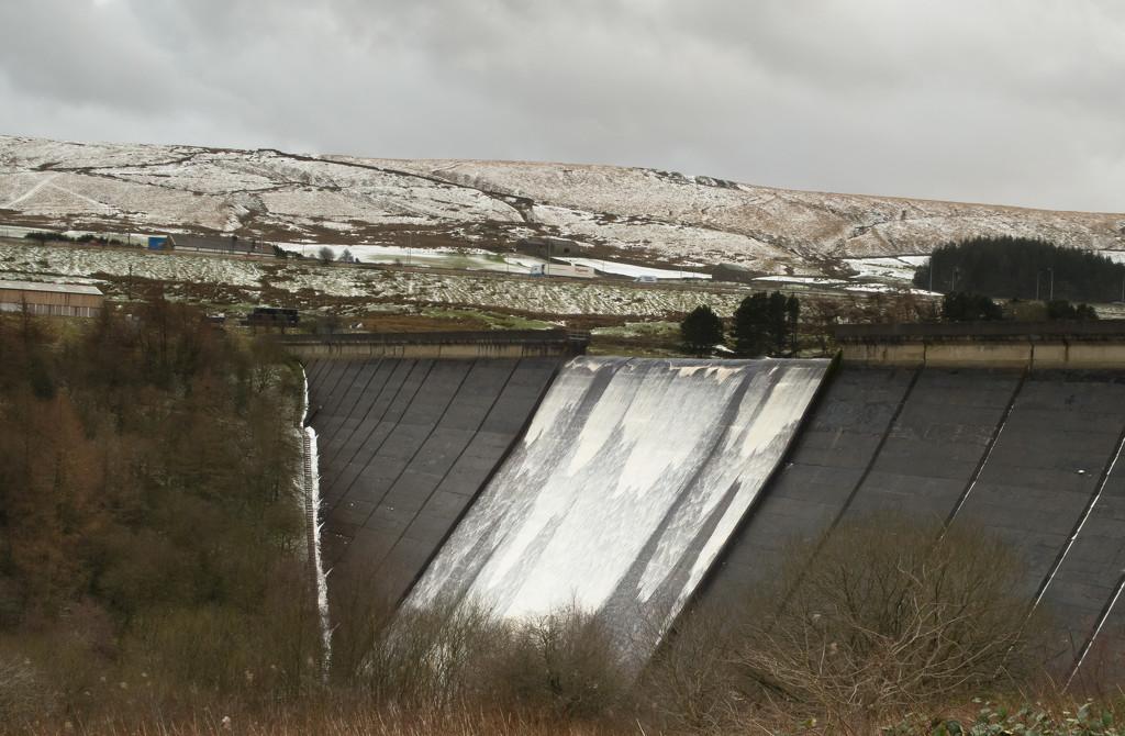 Pennine dam by peadar